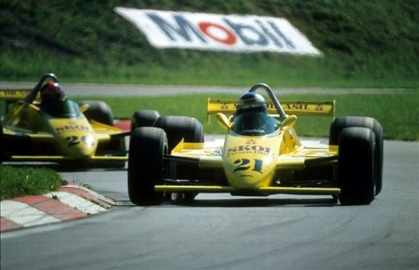 FITTIPALDI-F7-avec-Rosberg-devant-Emerson-Fittipaldi-©-Manfred-GIET.