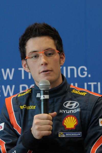 HYUNDAI-Thierry-NEUVILLE-Photo-Christophe-PERRIER