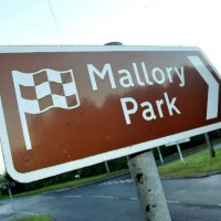 MALLORY-PARK-direction-le-circuit
