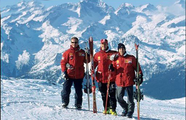 MICHAEL-SCHUMACHER-au-Ski-lors-de-la-semaine-VROOM-a-MADONNA-DI-CAMPIGLIO.