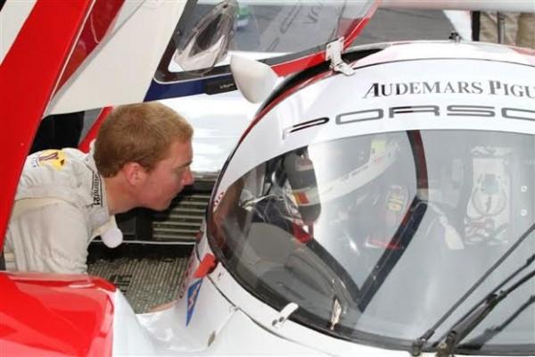 Maxime-MARTIN-Avec-le-paternel-une-course-historique-en-commun-sur-une-Porsche-962-©-Manfred-GIET.
