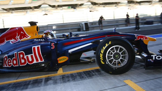 PIRELLI-Test-ABU-DHABI-RED-BULL