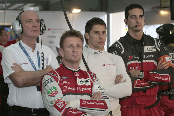 WEC-2013-BAHREIN-Dr-Wolfgang-Ullrich-Allan-McNish-Loic-Duval-Kyle-Wilson-Clarke-le-Race-Engineer-Audi-R18-e-tron-quattro