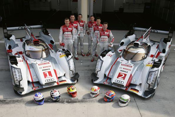 WEC-2013-a-BAHREIN-Les-pilotes-AUDI-sur-le-circuit-de-SAKHIR