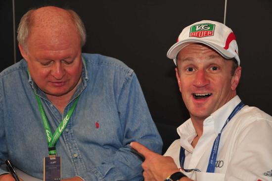WEC-SPA-2012-Alan-Mc-Nish en interview avec Gilles-Gaignault fait le clown