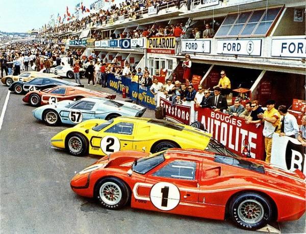 24-HEURES-DU-MANS-1966-ARMADA-FORD-avant-le-depart