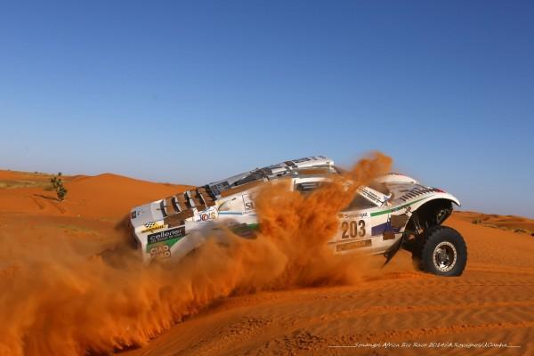 AFRICA-RACE-2014-Buggy-VW-dYves-FROMONT-dans-les-dunes-de-Mauritanie