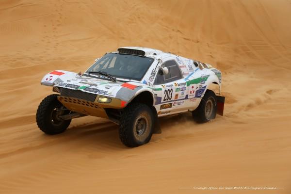 AFRICA-RACE-2014-Buggy-VW-dans-les-dunes-de-Mauritanie