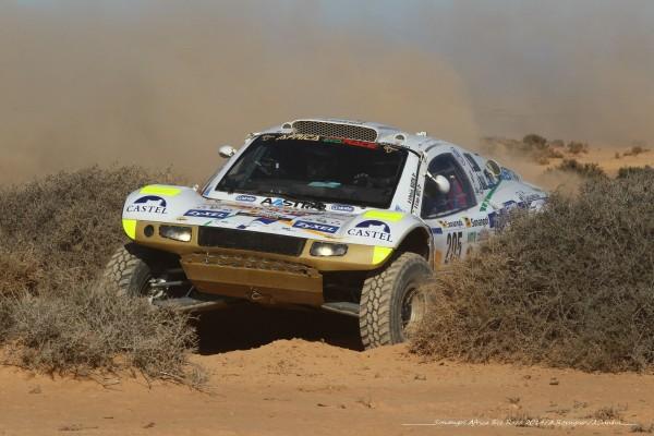 AFRICA RACE 2014 - Le Buggy VW de Patrick MARTIN et Jean METZ sur les pistes Sud Marocaines