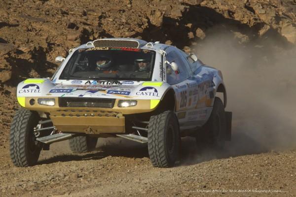 AFRICA RACE 2014 - Le Buggy VW de Patrick MARTIN et Jean METZ sur les pistes Sud Marocaines.