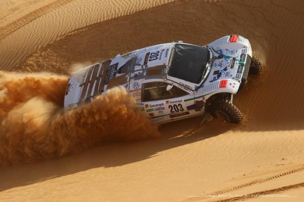 AFRICA-RACE-2014-LeBuggy-VW-de-FROMONT-dans-les-dunes-de-MAURITANIE-Photo-Alain-ROSSIGNOL
