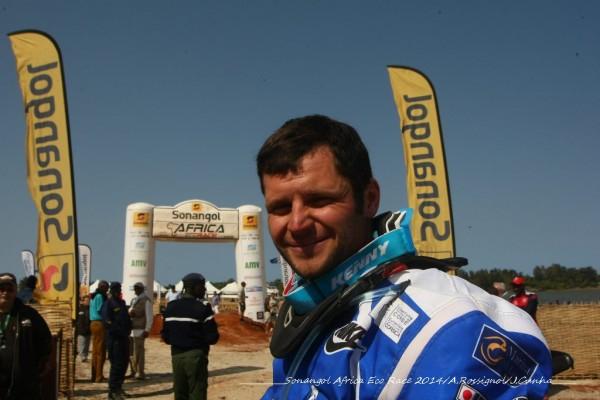 AFRICA-RACE-2014-MICHAEL-PISANO-VICTORIEUX-AU-LAC-ROSE