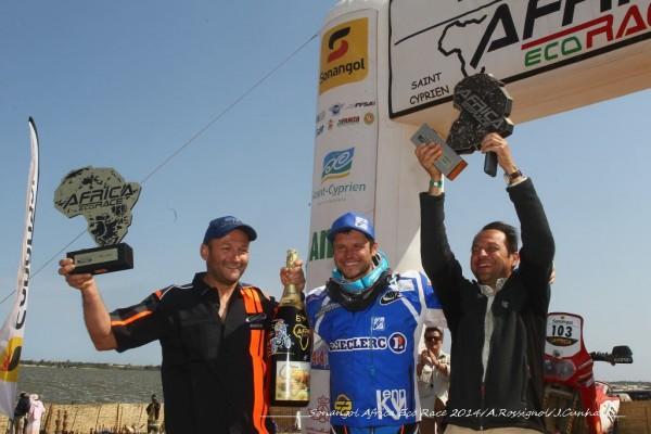 AFRICA-RACE-2014-MICHAEL-PISANO-avec-son-pere-et-son-mecanicien
