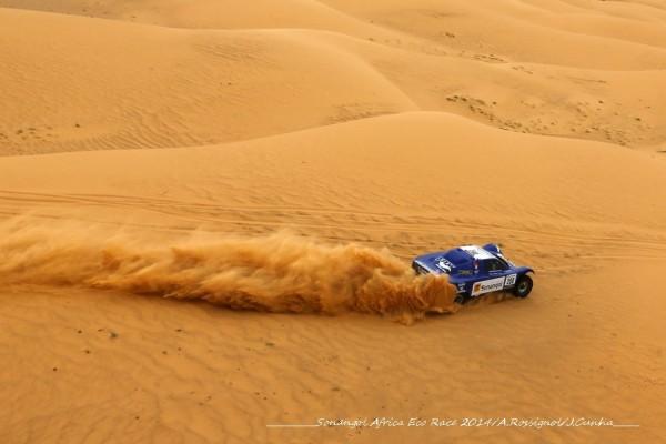 AFRICA-RACE-2014-SCHLESSER-MAGNALIDI-toujours-Maximum-ATTACK