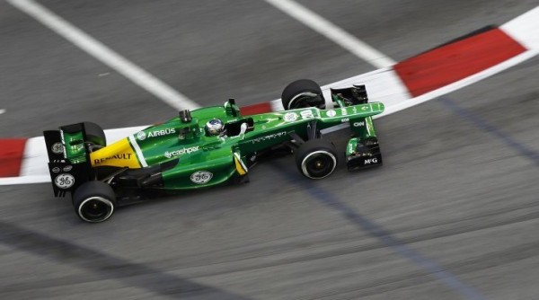 F1-2013-SINGAPOUR-CATERHAM-RENAULT-Photo-Team-DPPI