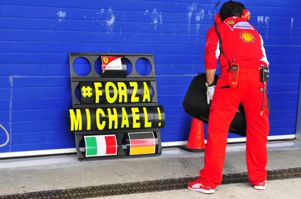 F1-2014-JEREZ-FORZA-MICHAEL-LE-CLIN-d-OEIL-DE-LA-SCUDERIA-Photo-Max-MALKA