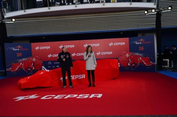F1-2014-JEREZ-Lundi-27-Janvier-Avant-la-presentation-de-la-TORO-ROSSO-SFR9-Photo-Max-MALKA