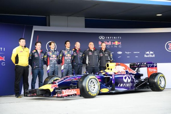 F1-2014-JEREZ-essai-28-Janvier-Presentation-Team-RED-BULL-Photo-Max-MALKA