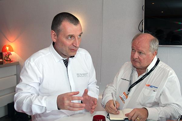 F1-ROB-WHITE-interview-Gilles-GAIGNAULT-21-JUIN-2013-Le-BOURGET-Présentation-moteur-RENAULT-ENERGY-2014-Photo-Gilles-VITRY-autonewsinfo