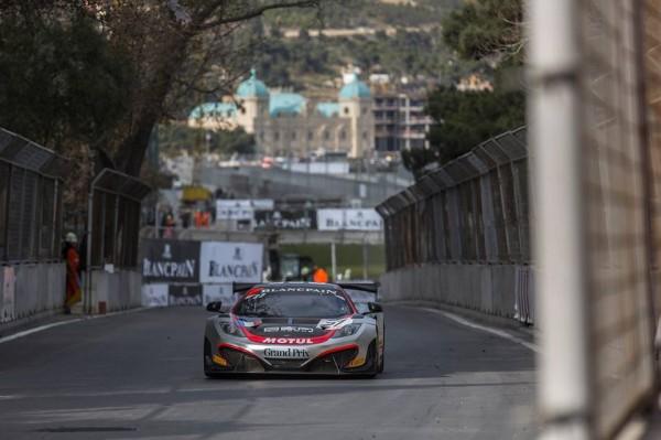 GT-FIA-2013-BAKOU-Team-Hexis-McLaren-P3-a-Baku-World-Challenge-et-derniere-course-dimanche-24-novembre.