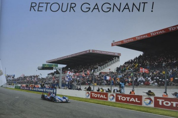 LIVRE-ALPINE-RETOUR-GAGNANT-lA450-franchit-larrivée-aux-24-Heures-du-MANS-le-16-juin-2013.