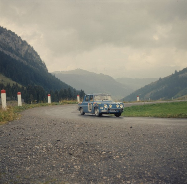 R8 GORDINI au MONTE CARLO photo Renault