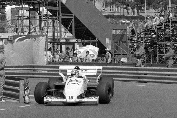 TOLEMAN-HART-GP-MONACO-1984-Ayrton-SENNA-photo-Bernard-BAKALIAN