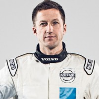 V8 SUPERCAR 2014 ROBERT DAHLGREN REJOINt le Team GRM