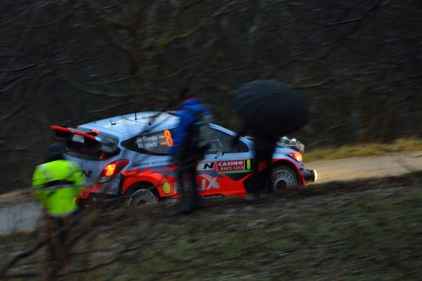 WRC-2014-MONTE-CARLO-La-HYUNDAI-I20-WRC-de-Dani-SORDO-en-panne