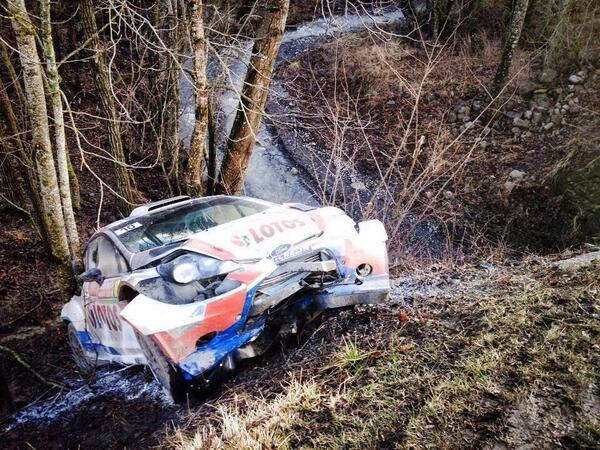 WRC 2014 MONTE CARLO la FORD Fiesta de Robert KUBICA vendredi apres sa sortie de route