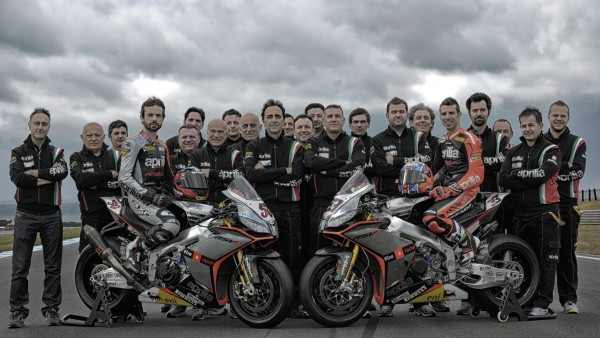 TOUT LE TEAM OFFICIEL APRILIA EN WSBK 2014