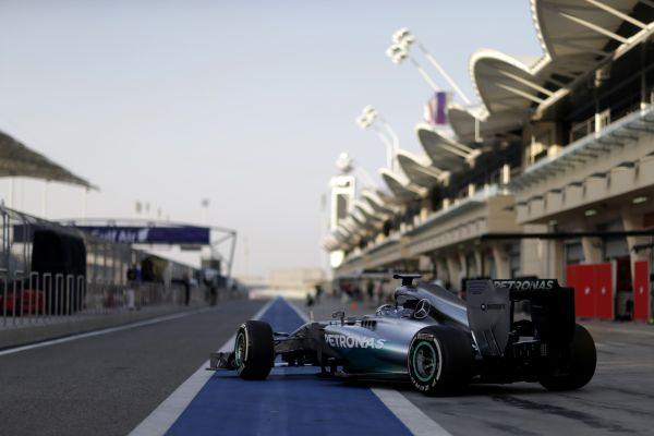 F1-2014-BAHREIN-MERCEDES-de-Nico-ROSBERG