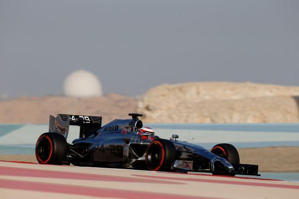 F1-2014-Test-BAHREIN-MAGNUSSEN-et-la-MCLAREN-MERCEDES
