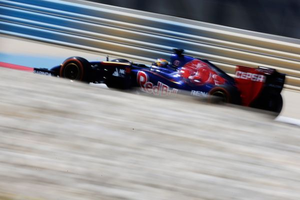 F1-2014-Test-BAHREIN-TORO-ROSSO-Jean-Eric-VERGNE