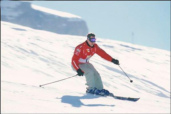 MICHAEL-SCHUMACHER-au-Ski-Semaine-VROOM-a-MADONNA-DI-CAMPIGLIO-dans-les-Dolomites - Photo Bernard ASSET