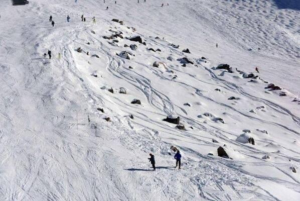 MICHAEL-SCHUMACHER-le-lieu-de-son-accident-sur-les-pistes-de-MERIBEL-LE-DIMANCHE-29-decembre-2013