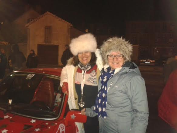 MONTE CARLO HISTORIQUE 2014 - Anne Valerie BONNEL et Katik VESSELOWSKY au coeur et dans le froid de la nuit pendant parcours de concentration a Langres - Porsche Num 108