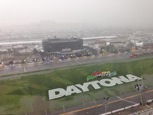 NASCAR-2014-DAYTONA-500-UN-TEMPS-DE-CHIEN