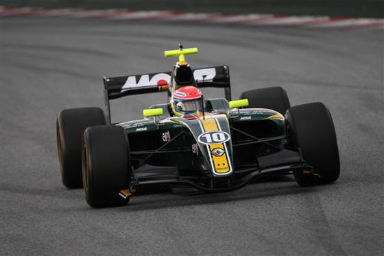 Nelson PANCIATICI-au volant de la LOTUS en World Séries Renault en 2010.