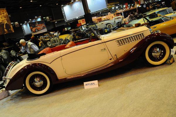 Rétromobile-2014-Artcurial-Delage-D6-70-Cabriolet-Mylord-Figoni-et-Falaschi-1932