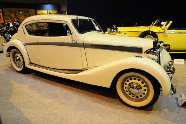 Rétromobile-2014-Artcurial-Delage-D6-70-Coach-panoramique-Letourneur-et-Marchand-1937