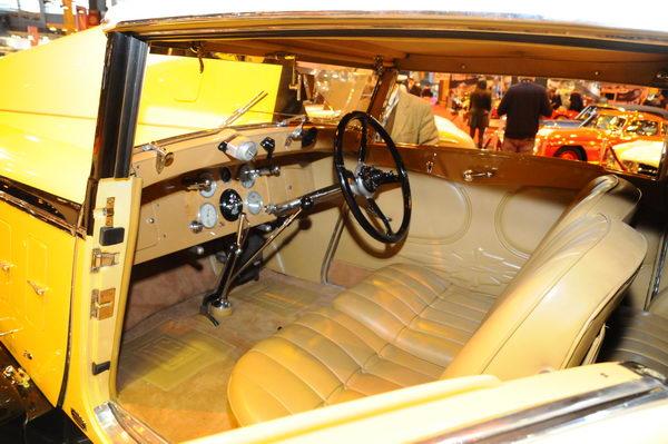 Rétromobile-2014-Artcurial-Isotta-Fraschini-Tipo-8A-cabriolet-Ramseier-intérieur