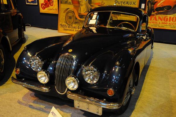 Rétromobile-2014-Artcurial-Jaguar-XK120-1952
