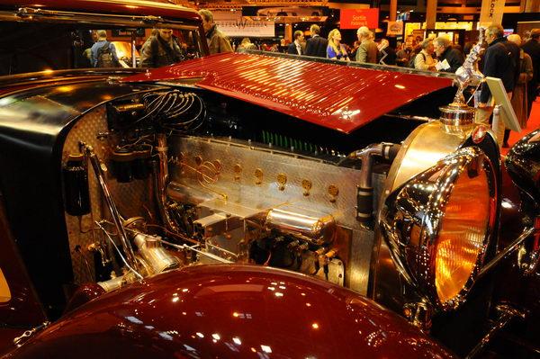 Rétromobile-2014-Bugatti-46-S-moteur-8-cylindres-en-ligne