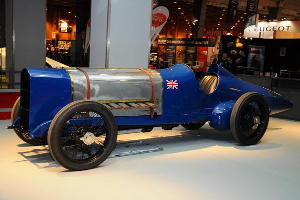 Rétromobile-2014-Sunbeam-1922-350-HP-moteur-V12-de-183-l-record-de-vitesse-a-Brookland-avec-215-kmh.