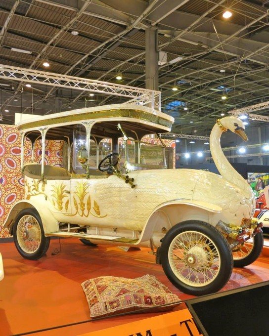 RETROMOBILE-2014-La-SWAN-CAR.