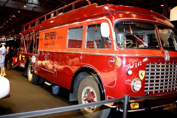 RETROMOBILE-2014-Transporteur-FERRARI-année-1967-photo-Claude-MOLINIER.