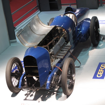RETROMOBILE-2014-la-voiture-de-MALCOLM-CAMPBELL-