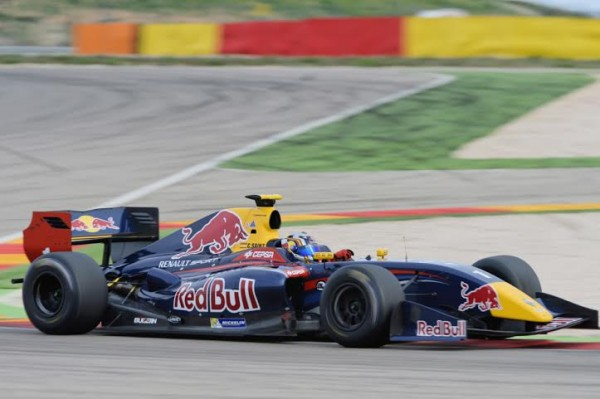 WORLD-SERIES-RENAULT-2014-MOTORLAND-Carlos-SAINZ-Junior-Photo-Antoine-CAMBLOR