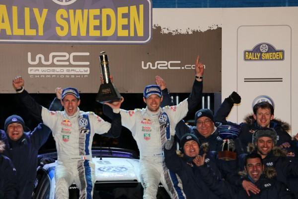 WRC-2013-SUEDE-PODIUM-et-1ere-place-pour-la-VW-POLO-de-Seb-OGIER-et-Julien-INGRASSIA-photo-Jo-LILLINI